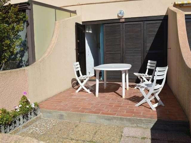 Joli studio pour 3 personnes avec terrasse en rez de chaussée à Port Leucate. Réf: 1MM2_239
