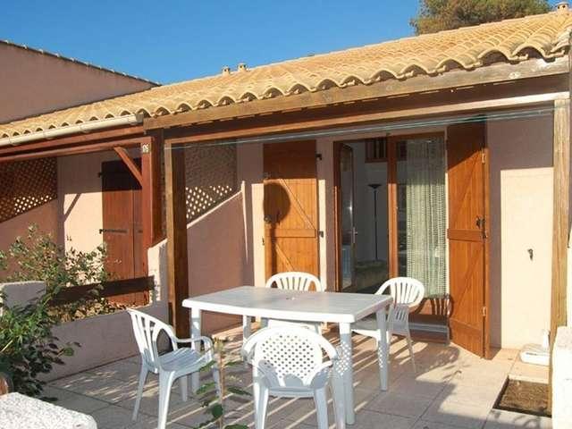 Confortable villa deux pièces mezzanine pour 6 personnes à Port Leucate. Réf: 1MPL_177