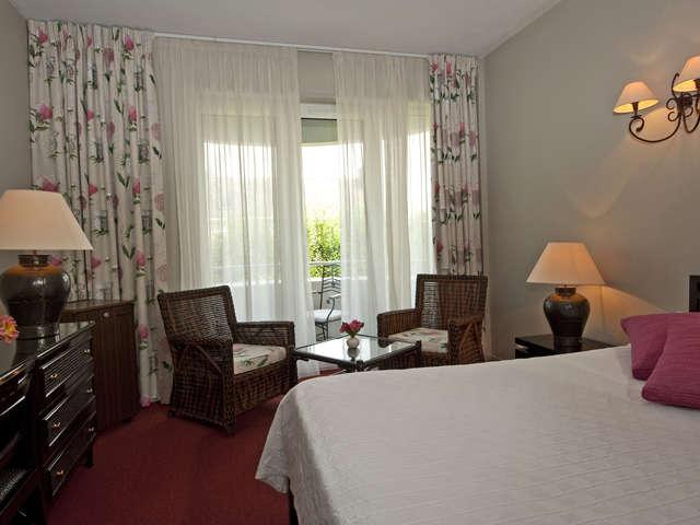 HOTEL/RESTAURANT - GRAND HÔTEL OF SOLESMES