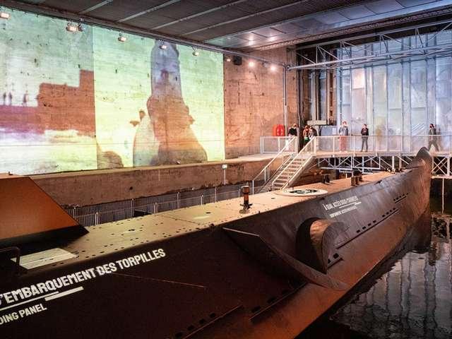 Visite commentée du sous-marin Espadon par les équipes de conservation de l'Ecomusée