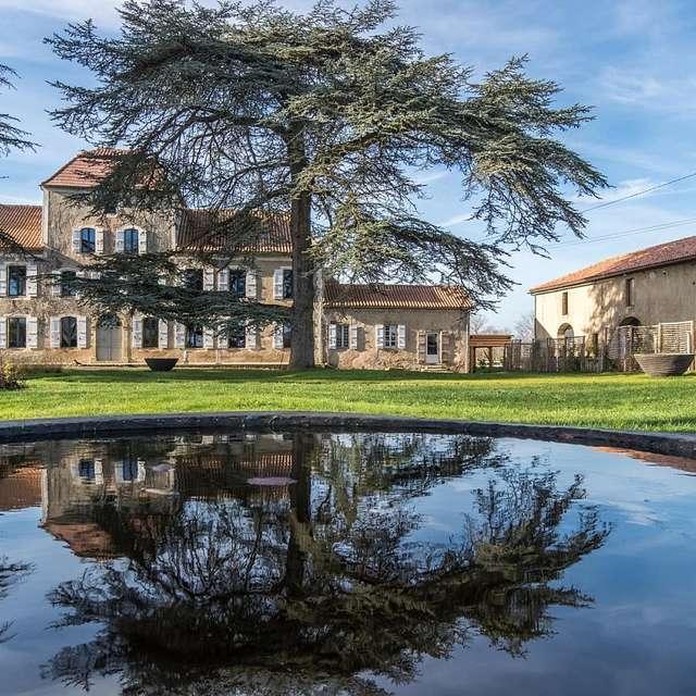 LOCATION DE VÉLOS À ASSISTANCE ÉLECTRIQUE AU CHÂTEAU DE MAUMUSSON