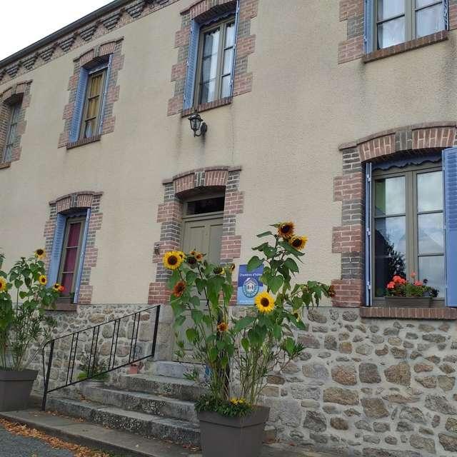 Chambres d'hôtes Gîtes de France - MOUTIER D'AHUN - 2 chambres - Réf : 23G0600