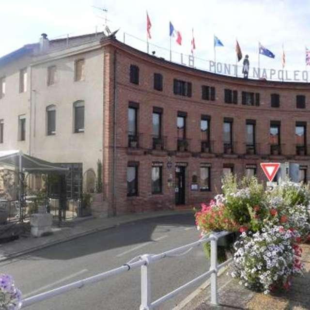 Le Pont Napoléon Restaurant-Hôtel-Bistrot