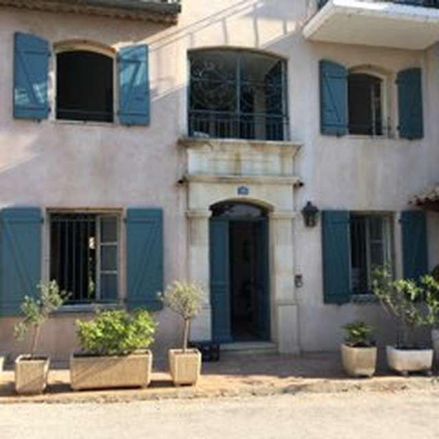 COLHOR 83 -   Maison de village