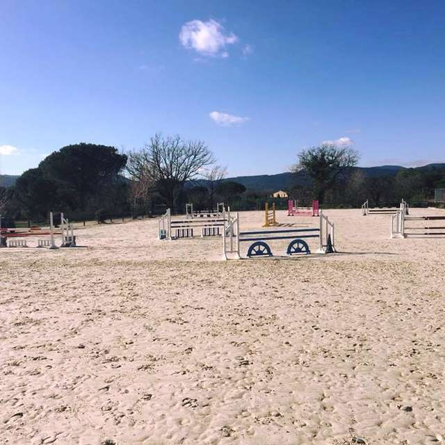 MDME Stables Grimaud