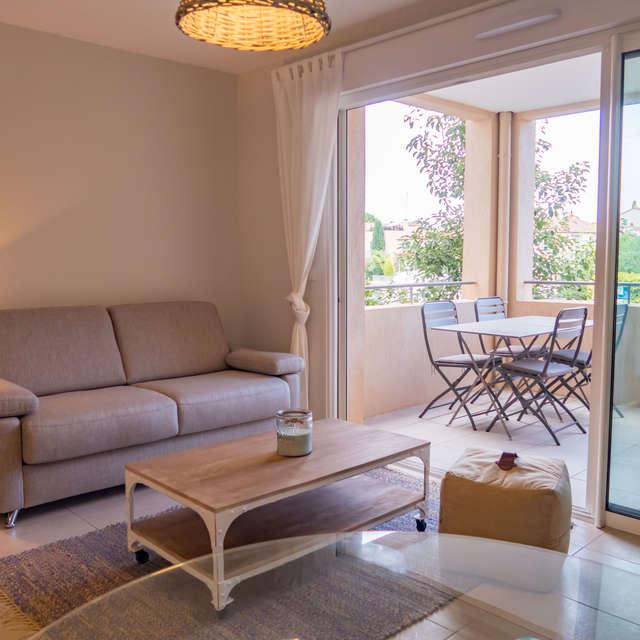 M. THOMAS - Appartement avec terrasse à Port Grimaud