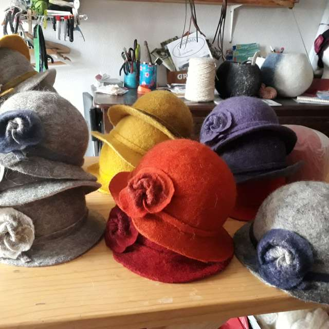 Artisanat feutre de laine La Fée Capeline