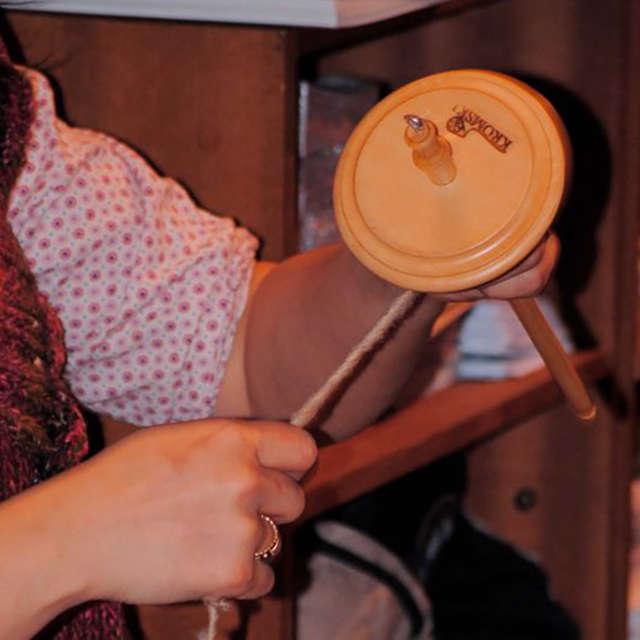 Atelier découverte : filage de la laine au fuseau