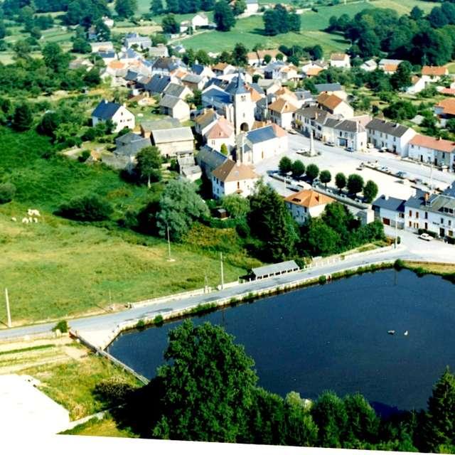 Pond town