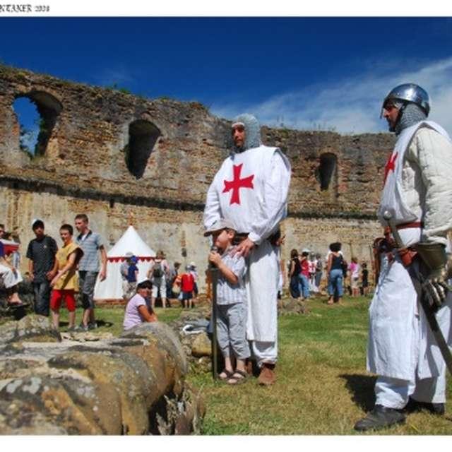 Campement médiéval au Château de Montaner