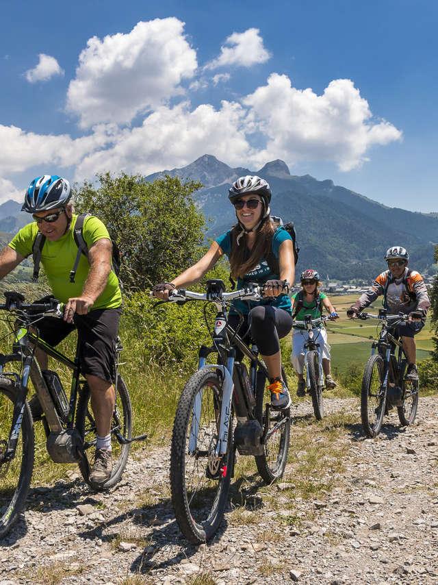 Sortie VTT électrique - Accompagnateurs en montagne du Champsaur
