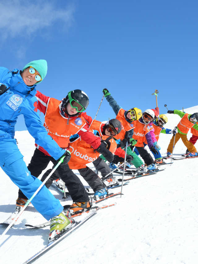 Ski & snowboard lessons - European ski and snowboard school
