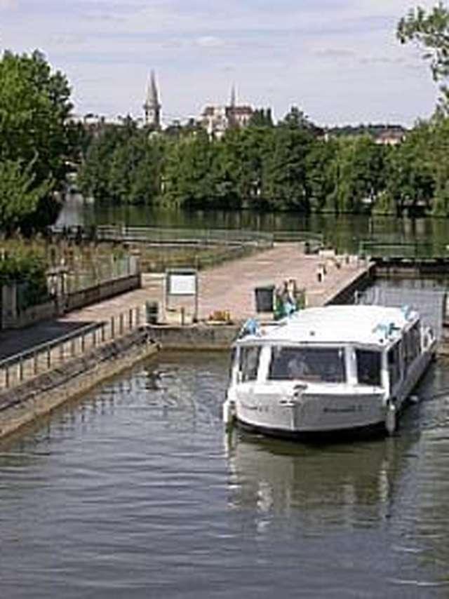 Bateaux Touristiques de l'Auxerrois
