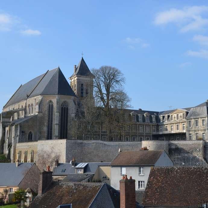 Visite guidée - L'abbaye de la Madeleine dans la ville fortifiée