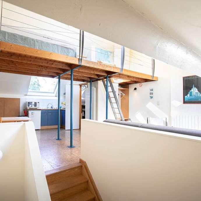 La mezzanine, studio meublé