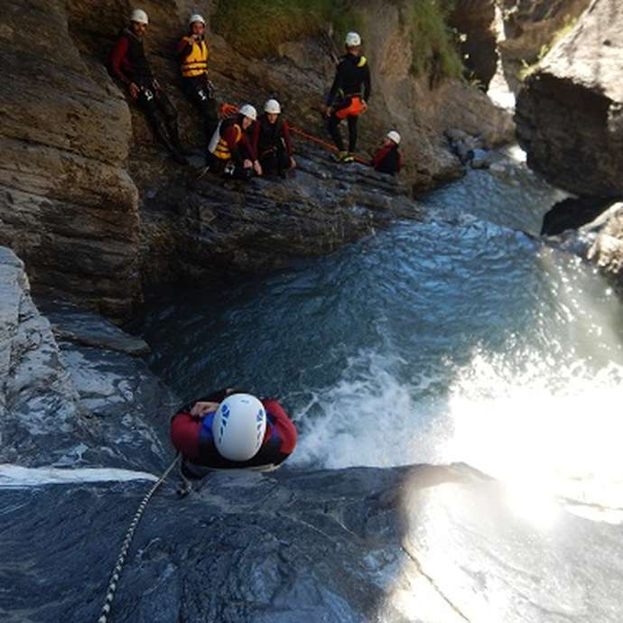 Discovering canyoning