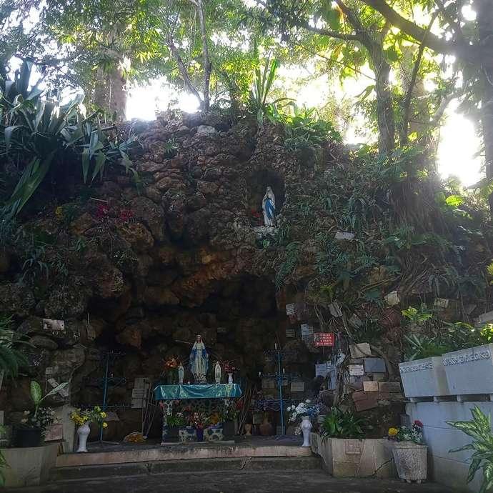 Grotte de Lourdes - Tribu de Saint Louis