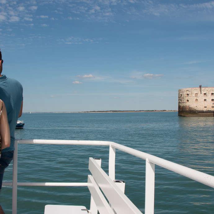 Tour de Fort Boyard commenté - Croisières Inter-îles