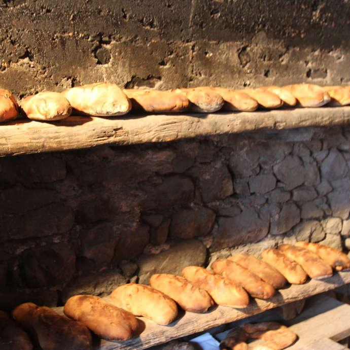 Cuisson et vente de pain artisanal
