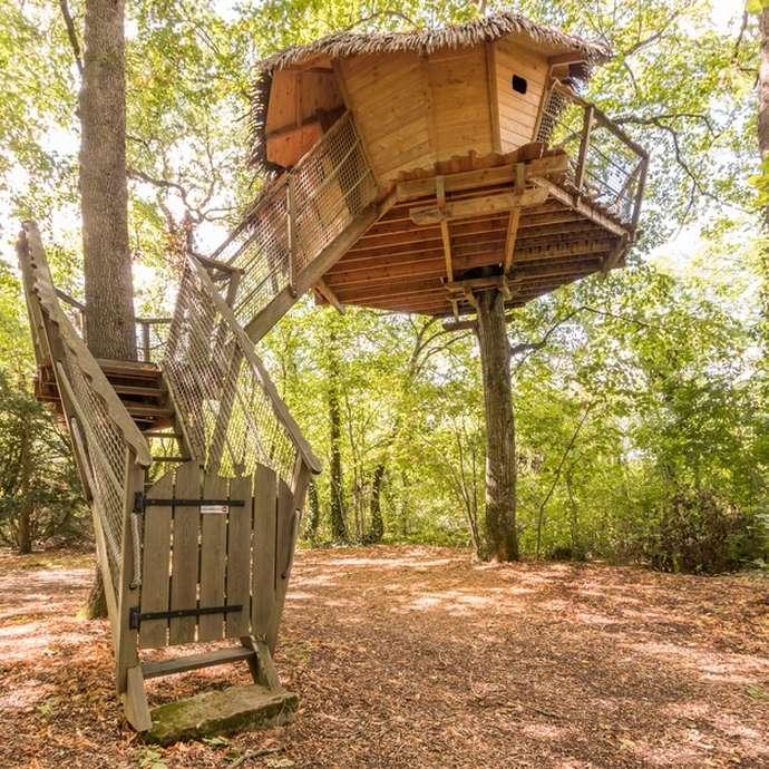 Cabane dans les arbres Camping du Petit Trianon