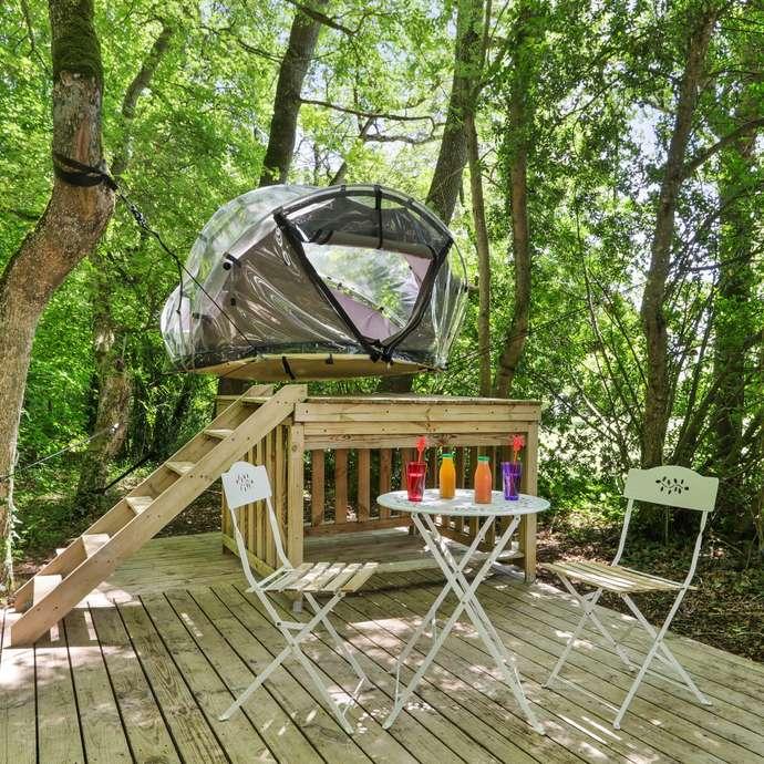Tente bulle suspendue Camping du Petit Trianon