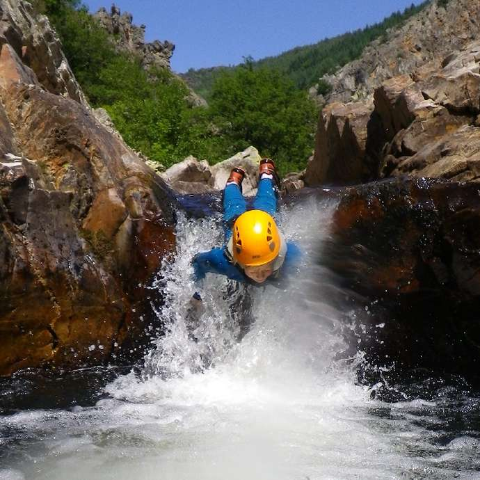 Acro-Bat. Millau - Canyon - Randonnée Aquatique
