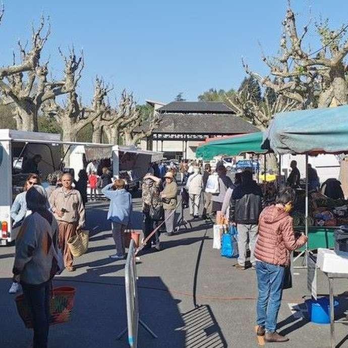 Marché à Bagnac-sur-Célé